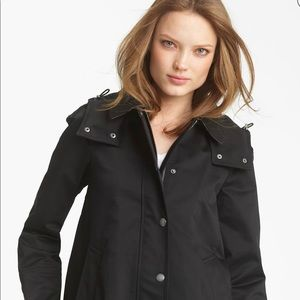 BURBERRY Bowpark Hooded Raincoat with Liner